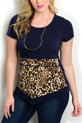 Plus Size Leopard Front Top With Necklace